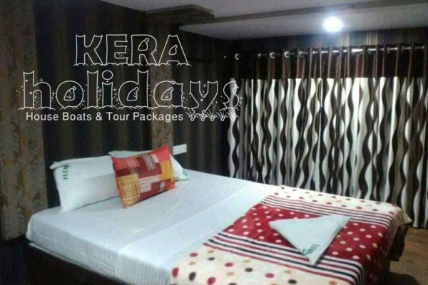 7-bedroom-houseboat-kera-2
